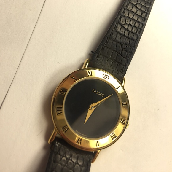 b74142cdadc Gucci Accessories - 100% Authentic Vintage Women s Gucci Watch